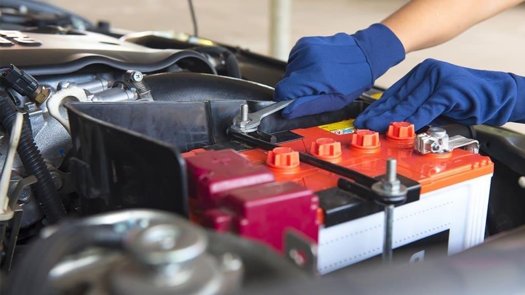 Замена аккумулятора автомобиля Хонда в Тюмени