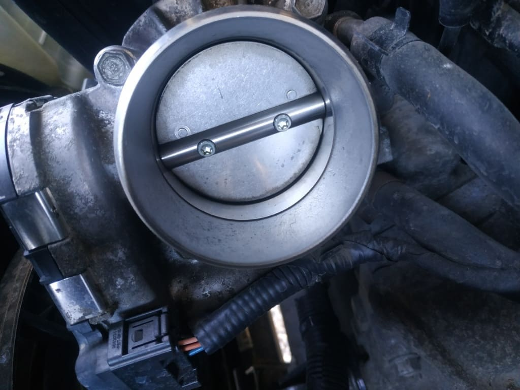 Чистка дроссельной заслонки Хонда в Тюмени